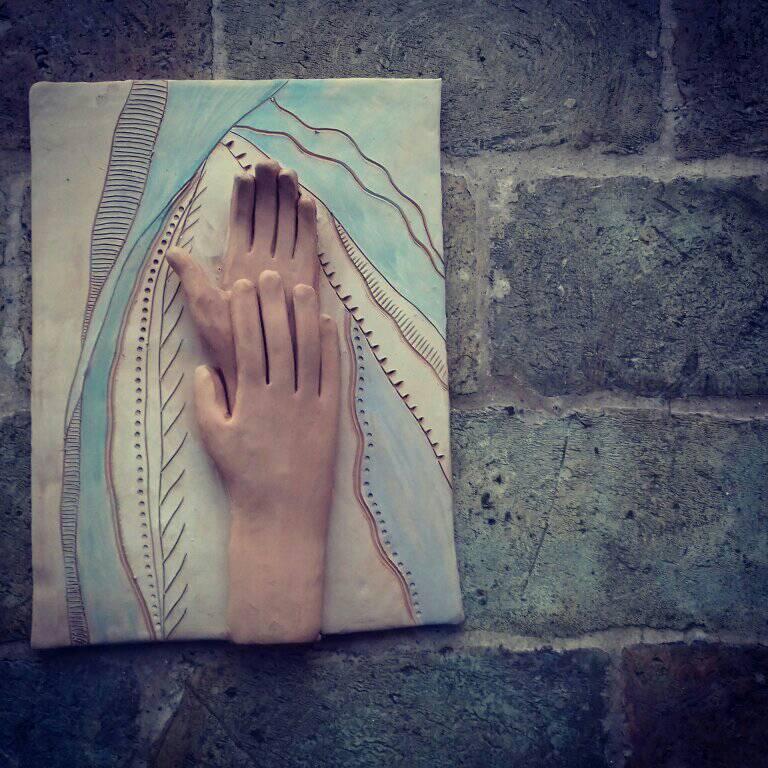 scultura mani claudia di mario