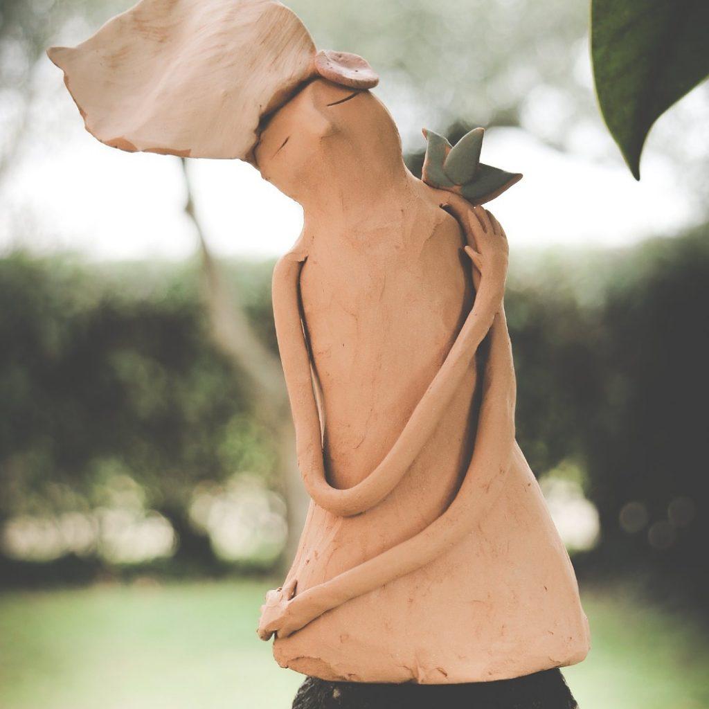 scultura in terracotta, arte a Castel Gandolfo, Claudia Di Mario, arte contemporanea, scultura contemporanea, scultura in ceramica