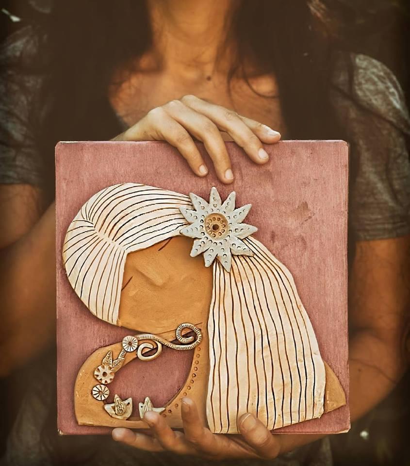 ceramica artistica, pannello in legno e terracotta