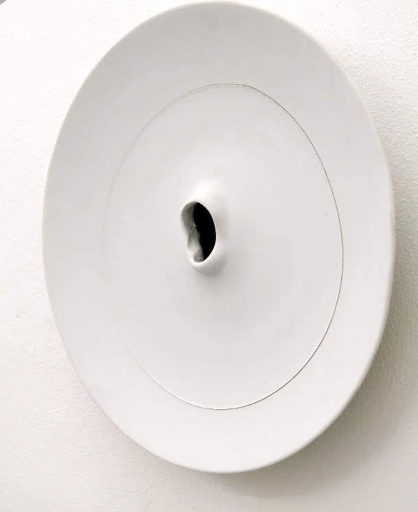 Lucio Fontana: la ceramica da materia a concetto